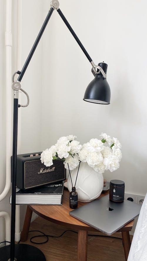 Ingyenes stockfotó asztal, belsőépítészet, beltéri témában