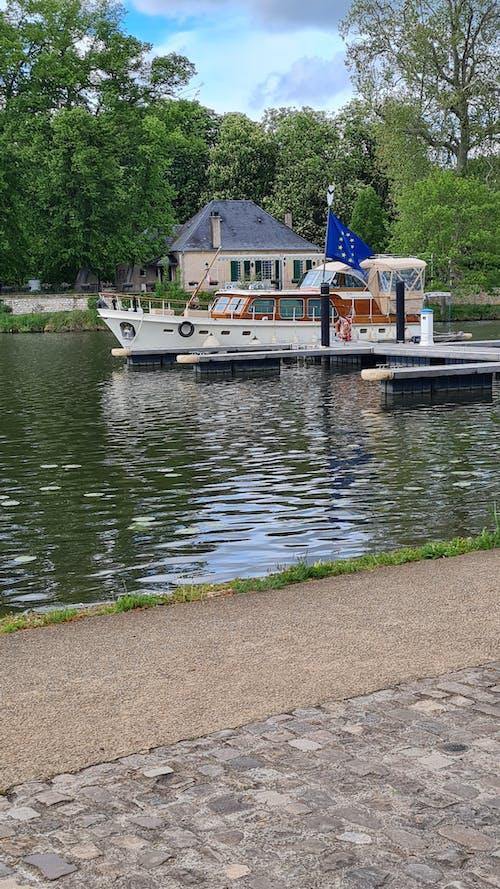 Free stock photo of bank, boats, pontoon