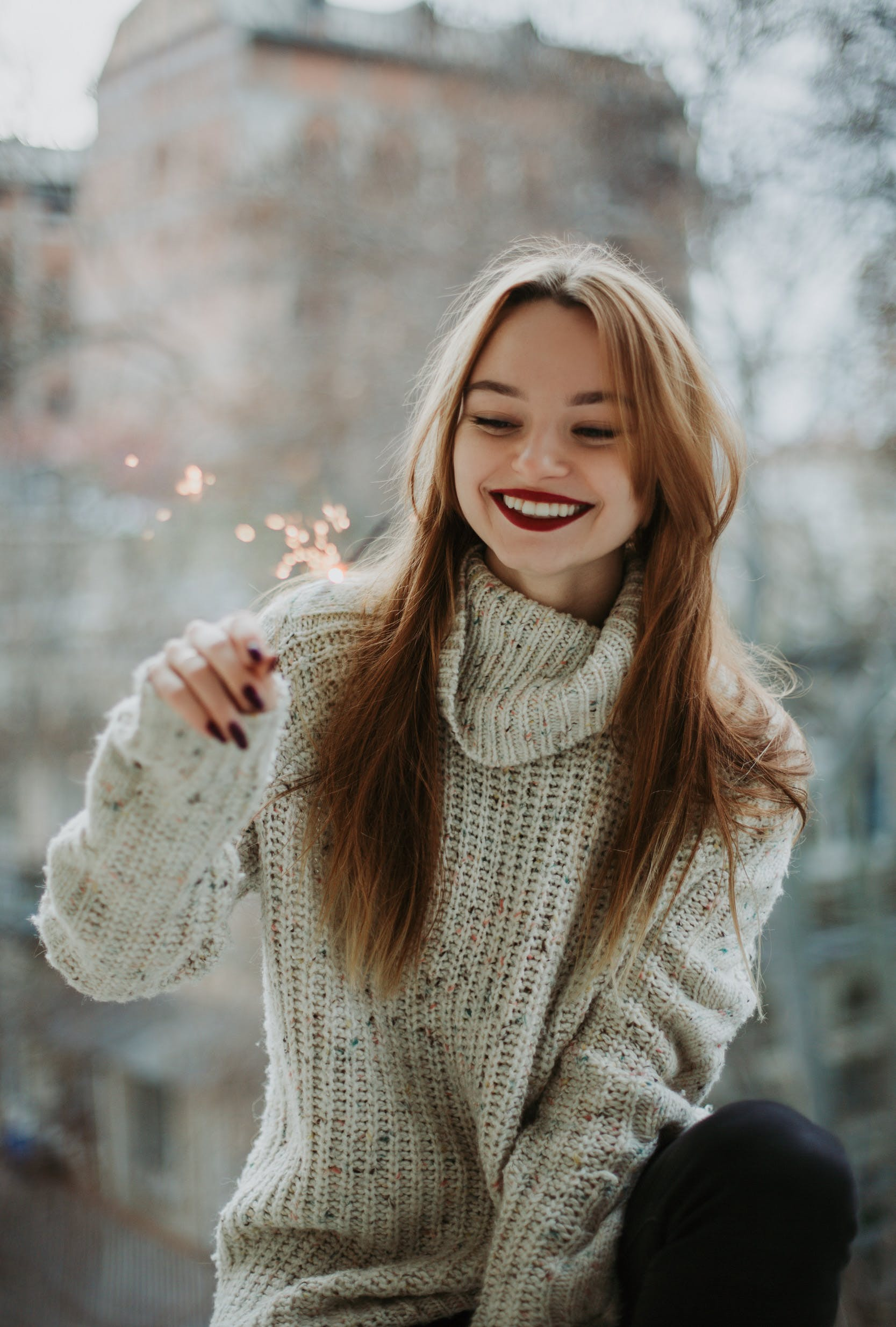 Woman Wears White Knit Turtleneck Long-sleeved Shirt With Blonde Hair