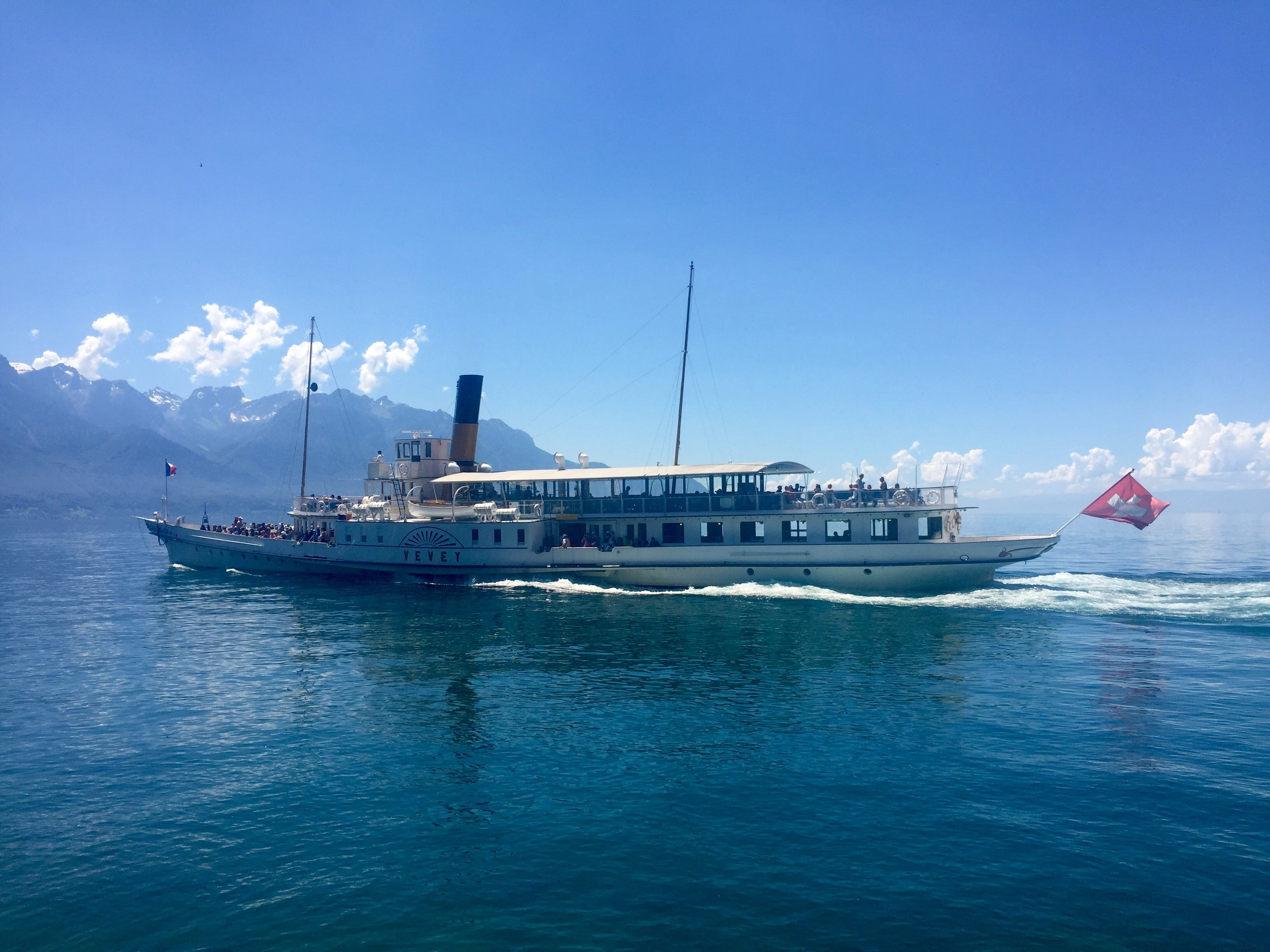 Fotobanka sbezplatnými fotkami na tému denné svetlo, dopravný systém, hora, loď