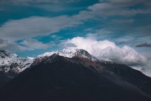Kostenloses Stock Foto zu abenteuer, berg, dämmerung