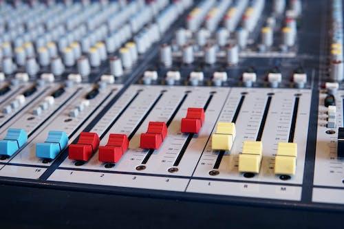Kostenloses Stock Foto zu analogon, audio-mixer, audiogeräte
