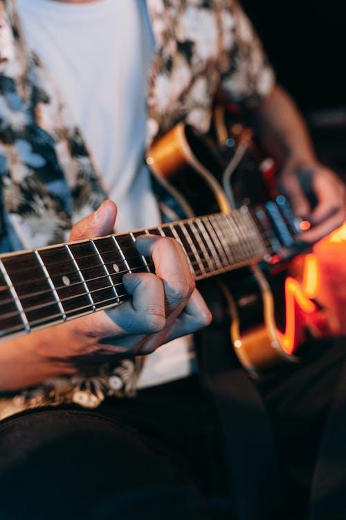 Photos gratuites de accords, guitare électrique, guitariste