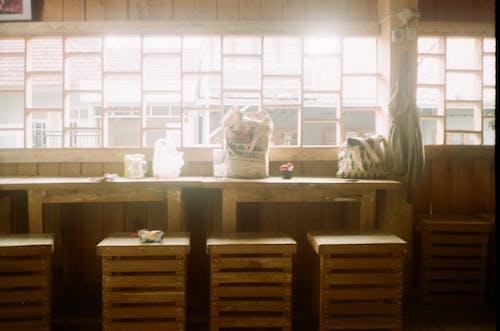 Ảnh lưu trữ miễn phí về bàn café, cà phê địa phương, camera analog, quán cà phê