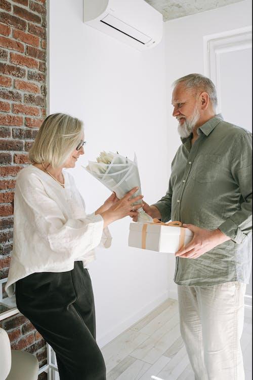 คลังภาพถ่ายฟรี ของ กระดาษ, การทำงานเป็นทีม, การมอง