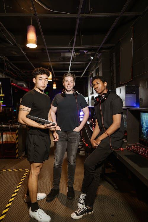 Gratis stockfoto met arcade, arcadehal, cyber