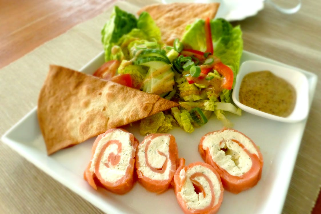 Vegetable Salad With Flat Bread