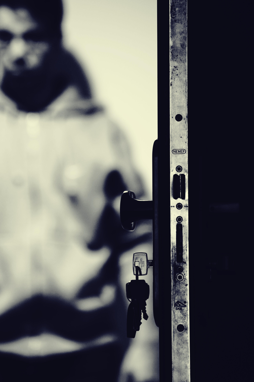 Kostnadsfri bild av dörr, dörrvredet, fokus, kille