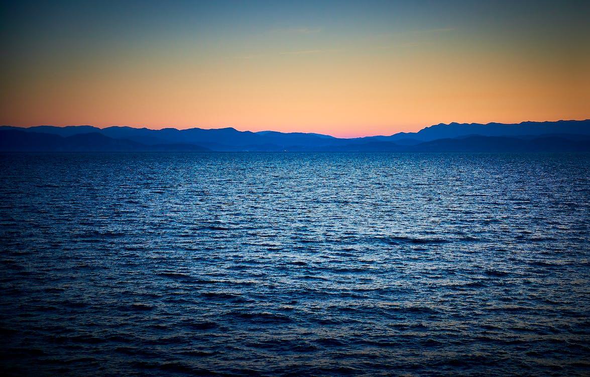 ตะวันลับฟ้า, พระอาทิตย์ตก, มหาสมุทร