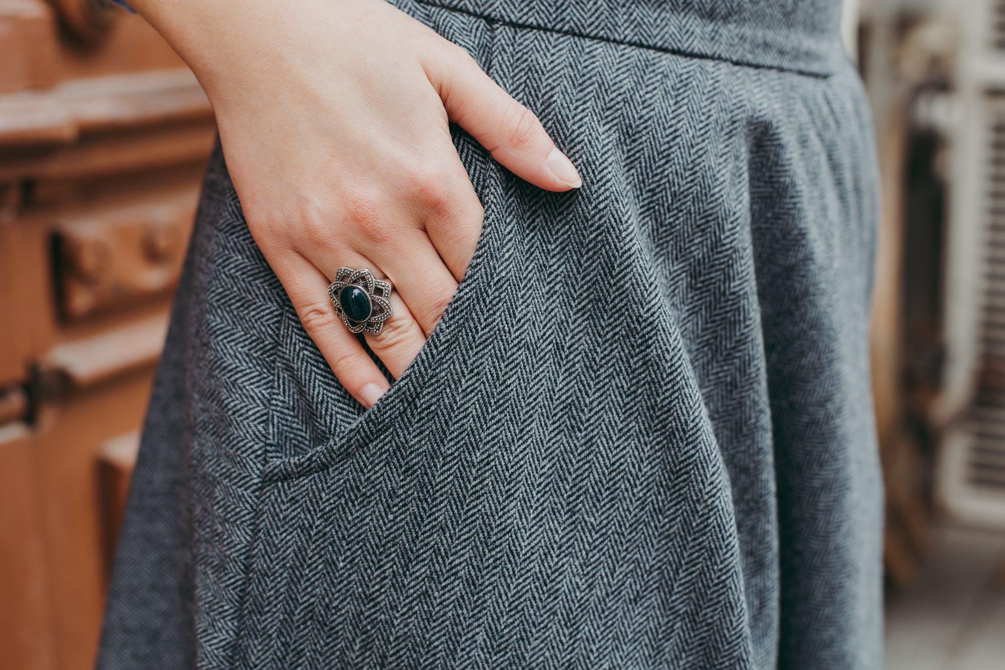 Základová fotografie zdarma na téma barvy, detaily, holka, kalhoty