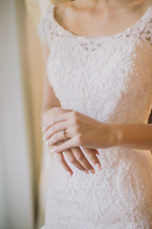 White Scoop-neck Cap-sleeved Dress
