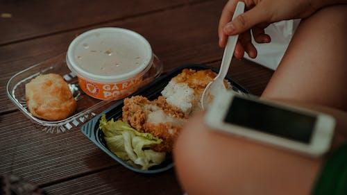 Foto stok gratis berbayang, daging, hidangan, iphone