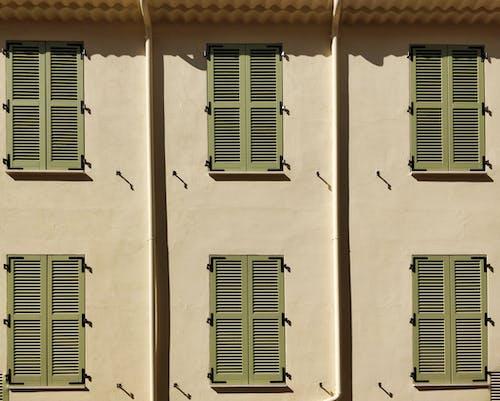 Foto stok gratis arsitektur tradisional, bayangan, cannes, daun jendela
