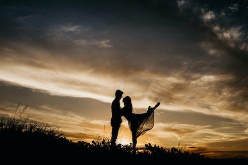 Бесплатное стоковое фото с буря, вечер, девочка