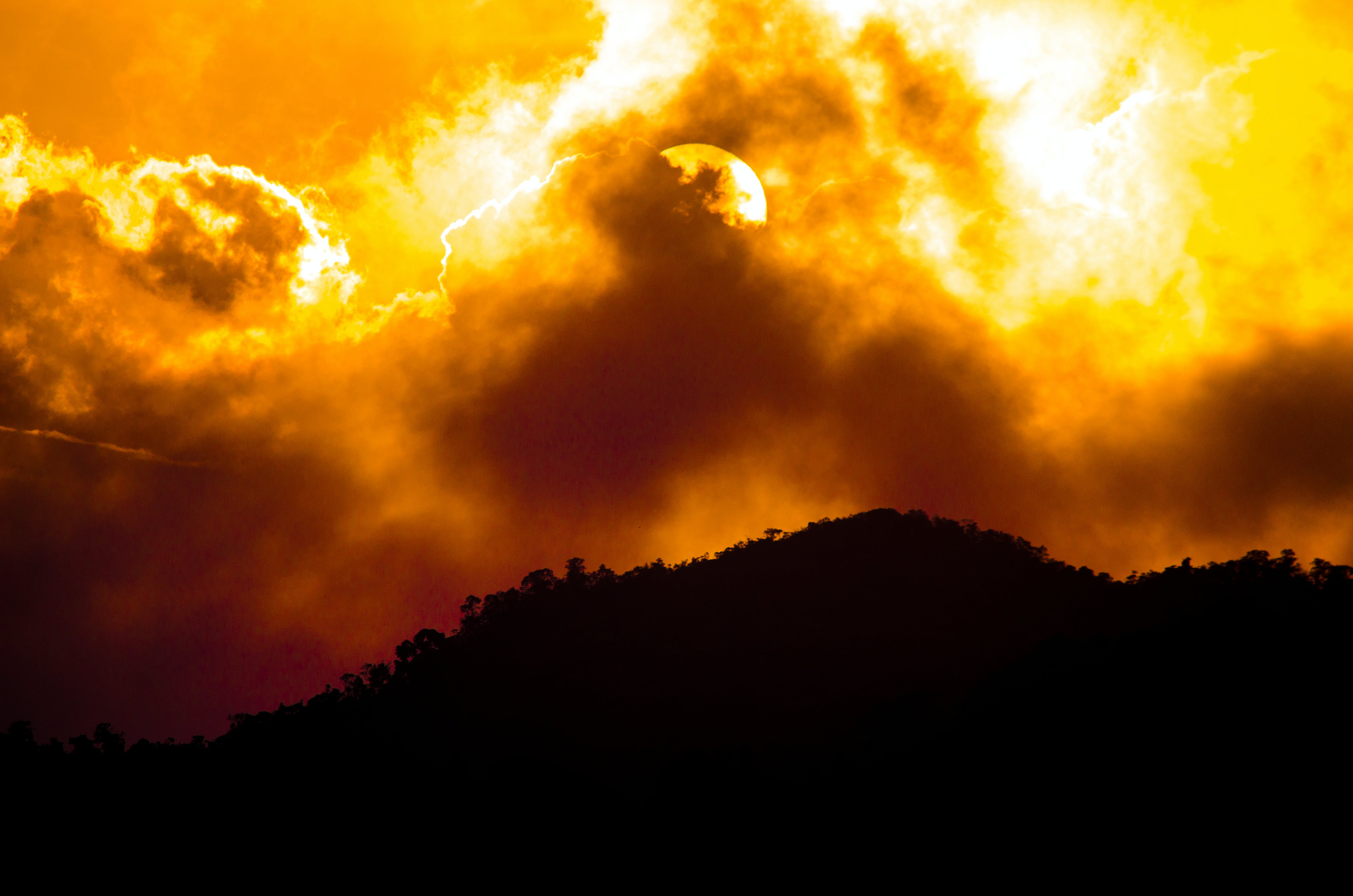 Free stock photo of Apocaliptic Sky, cloudy sky, golden sun, high contrast
