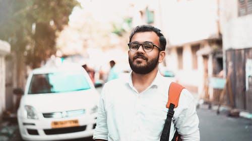 Gratis stockfoto met auto, blurry achtergrond, brillen, daglicht