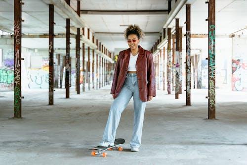 사람, 스케이트보드, 스타일의 무료 스톡 사진