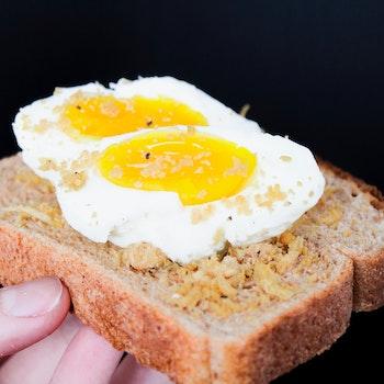 pan con huevo-alimentos sanos