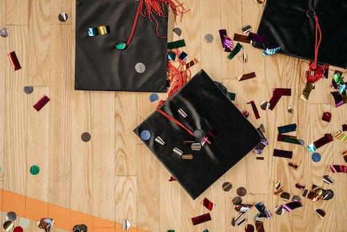 Kostnadsfri bild av akademiskt tak, examen, examen cap