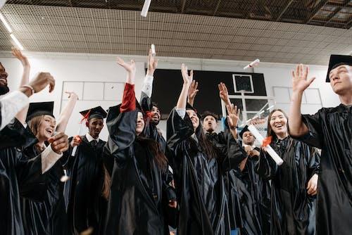 Kostnadsfri bild av akademiskt tak, alumner, doktorand