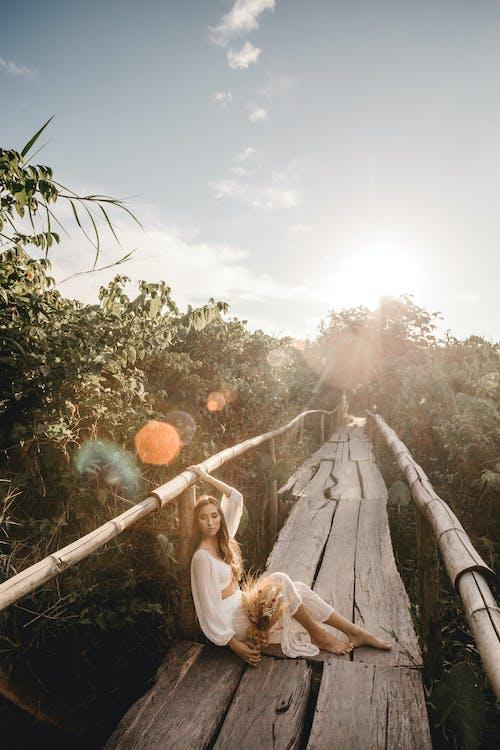 Бесплатное стоковое фото с Взрослый, вода, девочка