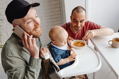 adam, aile, ambar içeren Ücretsiz stok fotoğraf