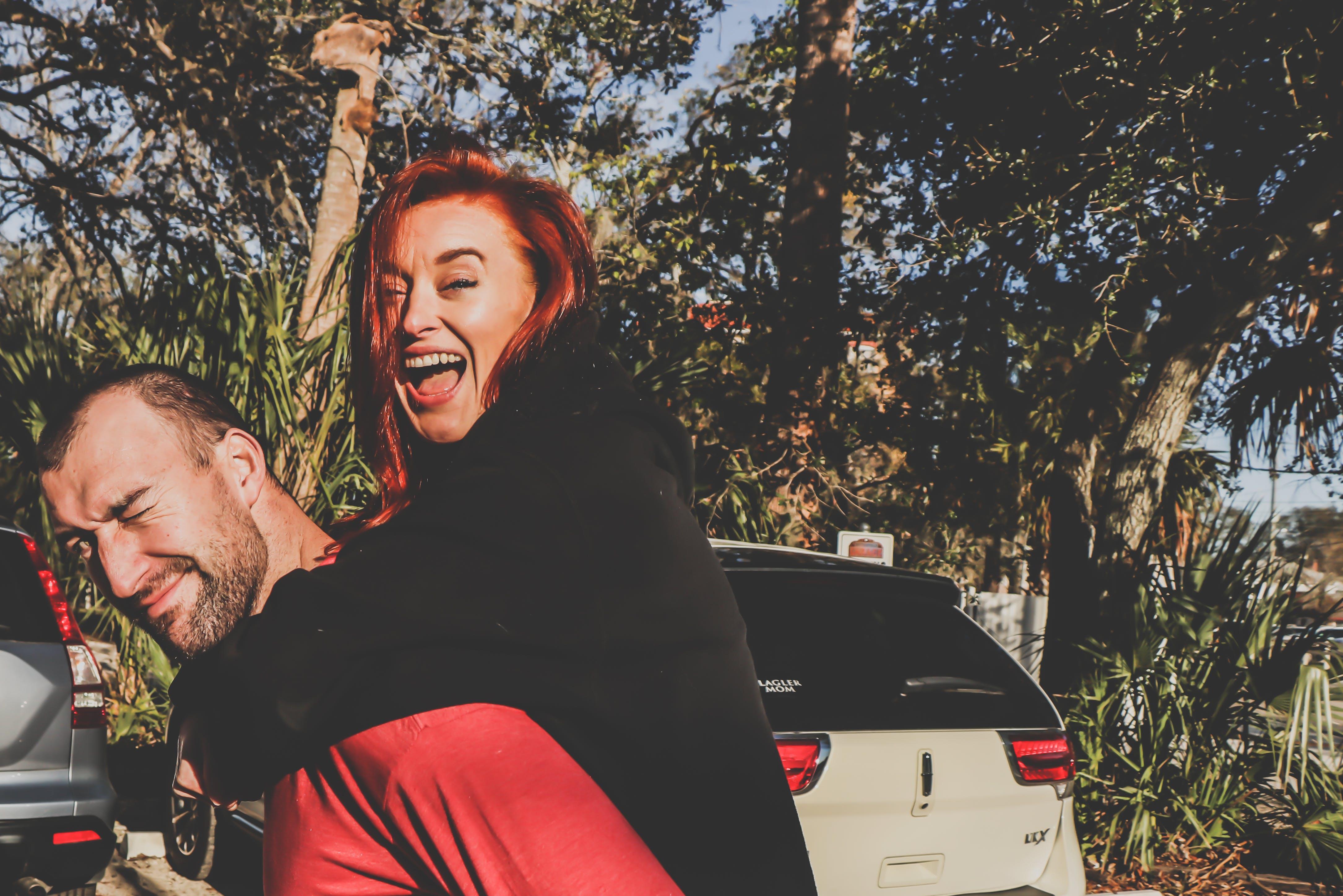 Základová fotografie zdarma na téma auto, dospělý, dvojice, fitness