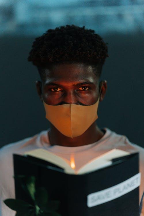 Безкоштовне стокове фото на тему «афроамериканський чоловік, вертикальний, глобальне потепління»