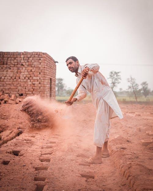 남자, 땅, 사람의 무료 스톡 사진
