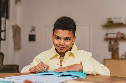 Δωρεάν στοκ φωτογραφιών με african american boy, αξιολάτρευτος, γλυκούλι
