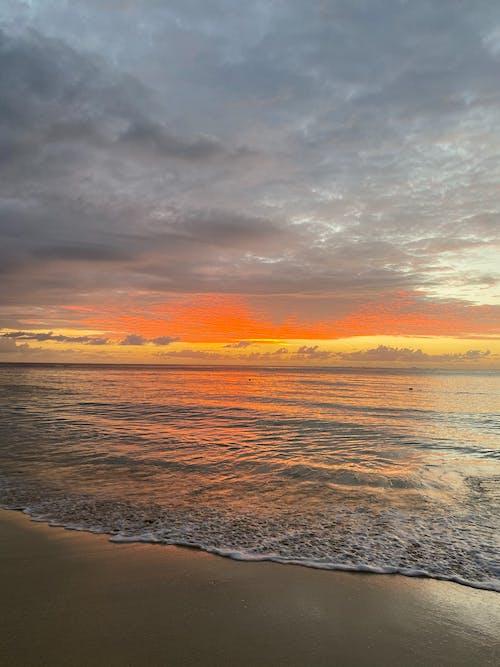 Бесплатное стоковое фото с берег, вертикальный выстрел, вид