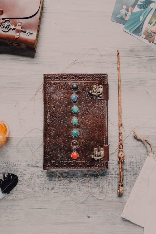Gratis arkivbilde med antikk, bok, brun