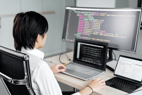 남자, 노트북, 뒷모습의 무료 스톡 사진