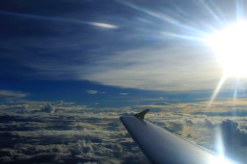 Бесплатное стоковое фото с домашний, летающий, облака, самолет