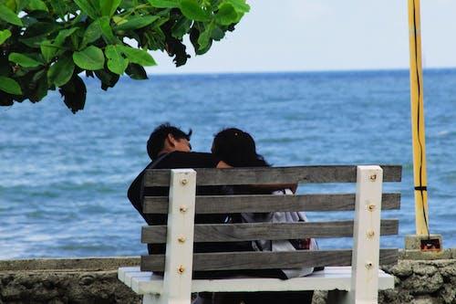 Бесплатное стоковое фото с любовник, море, парк, партнер