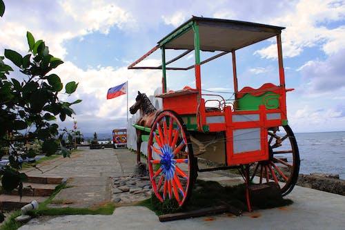 Бесплатное стоковое фото с kalesa, автомобиль, лошадь
