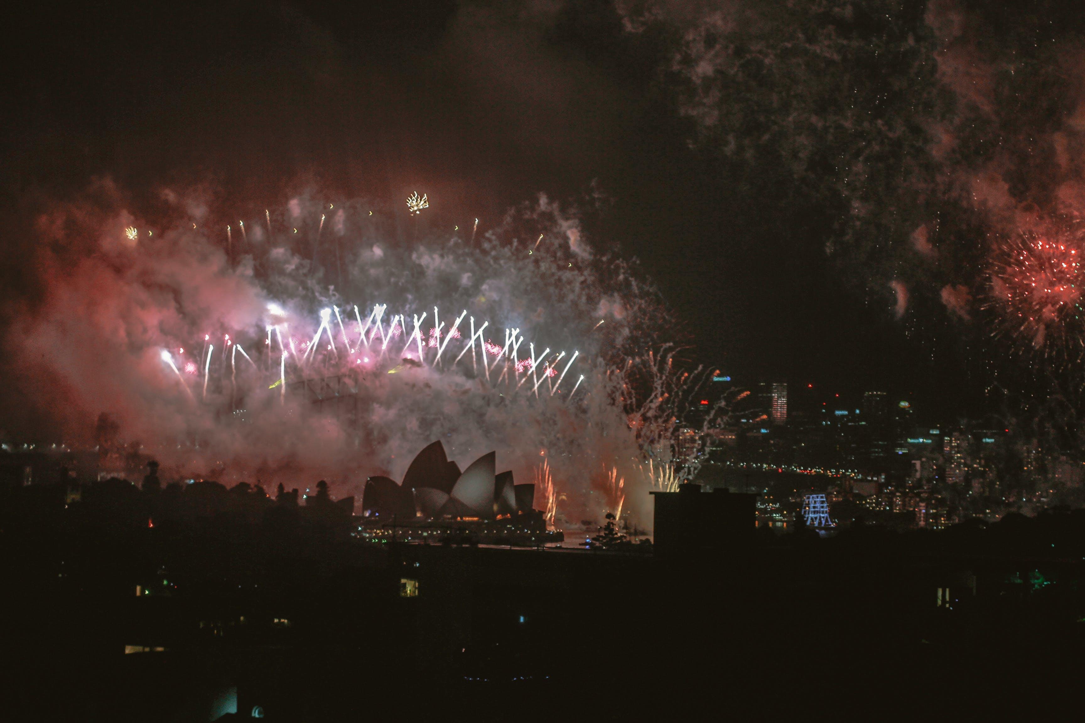 Kostenloses Stock Foto zu feier, festival, feuerwerk, hafenbrücke