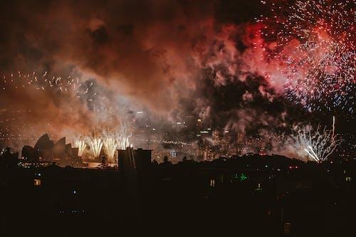 Fotobanka sbezplatnými fotkami na tému budovy opera vSydney, festival, nový rok, ohňostroje