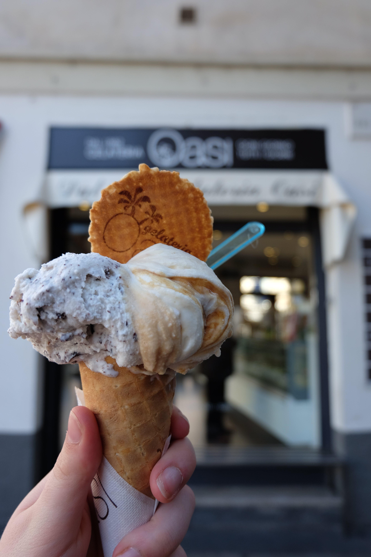 Free stock photo of food, gelato, hand, ice cream
