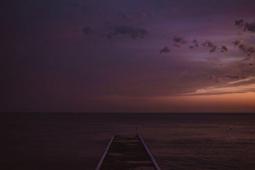 Darmowe zdjęcie z galerii z drewniany dok, malowniczy, morze