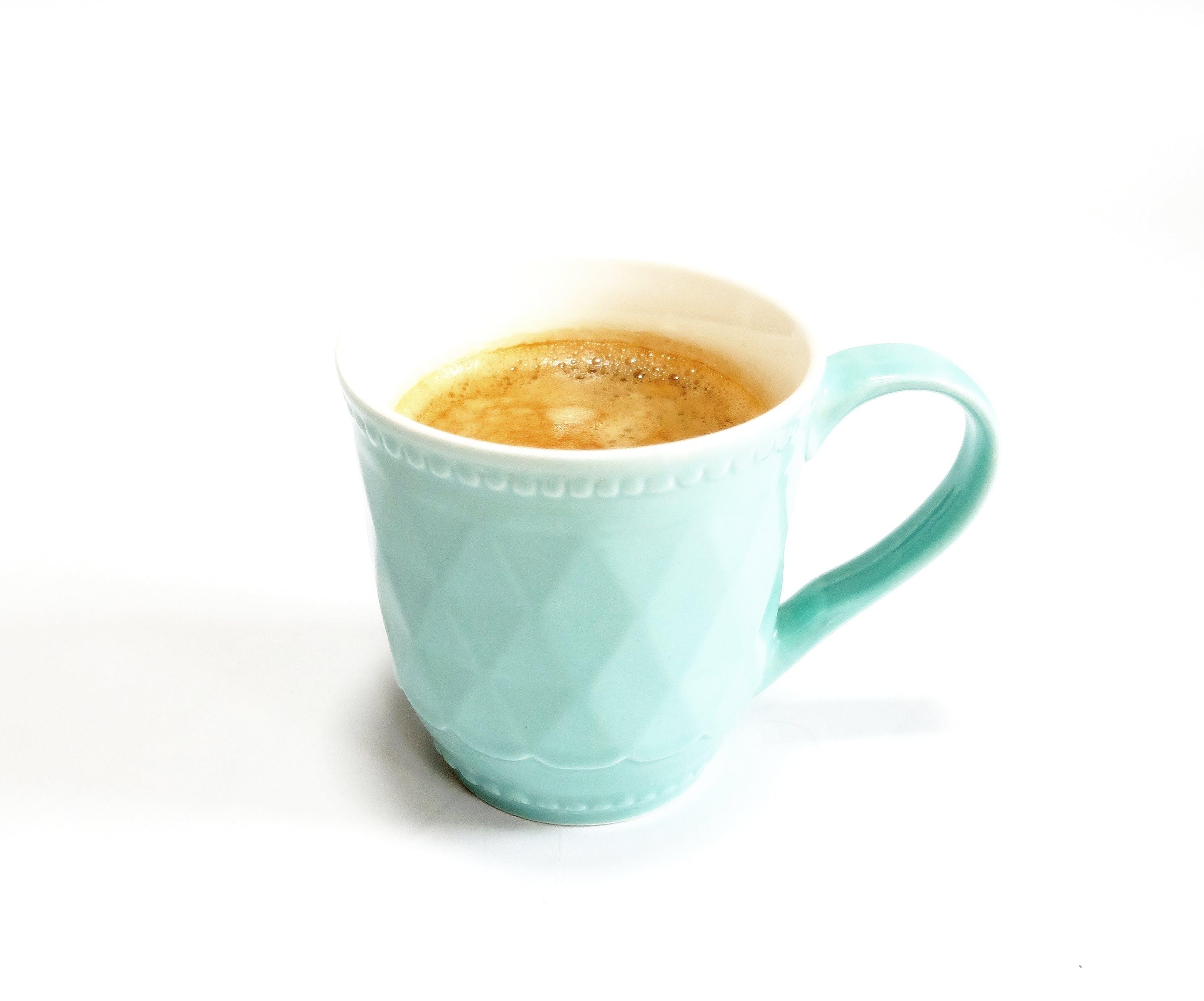 Kostenloses Stock Foto zu kaffee, tasse, becher, blau