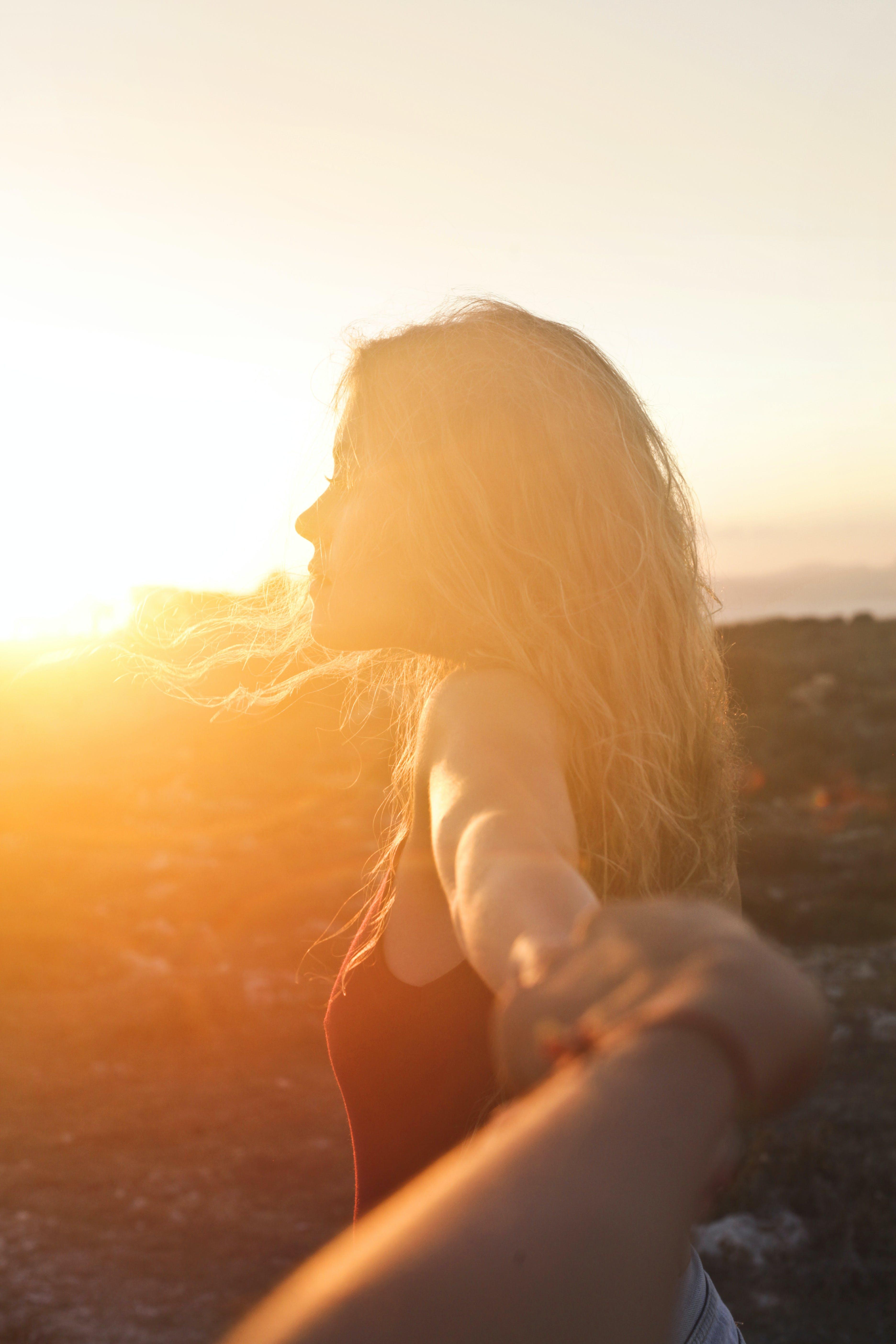 Безкоштовне стокове фото на тему «блондинка, відпустка, великий план, волосина»