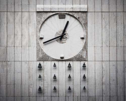Immagine gratuita di bianco e nero, campane, cronometro, design