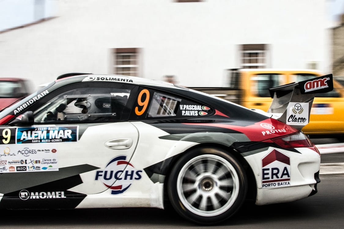Fotografie Der Person, Die Porsche Fährt