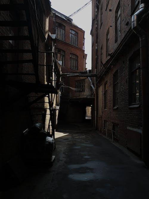 Ingyenes stockfotó ablak, árnyék, elhagyatott témában