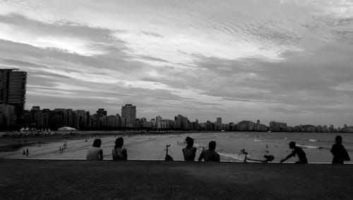binalar, bir araya gelmek, bulutlar, dinlenme içeren Ücretsiz stok fotoğraf