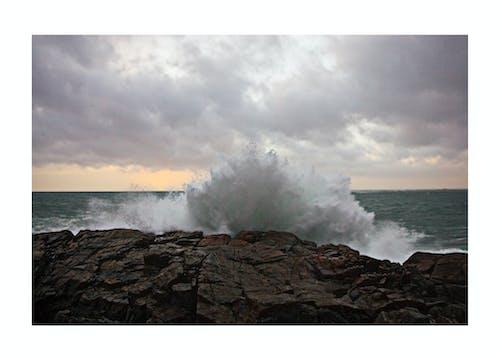 Imagine de stoc gratuită din furtună, lângă mare, soare de seară, valuri la mal