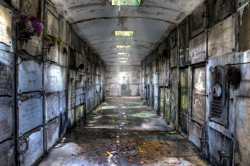 Photos gratuites de cimetière, crypta, justifyyourlove, lieu perdu