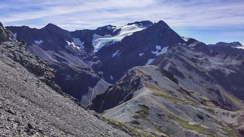 Photos gratuites de haut, hiver, lumière du jour, montagne