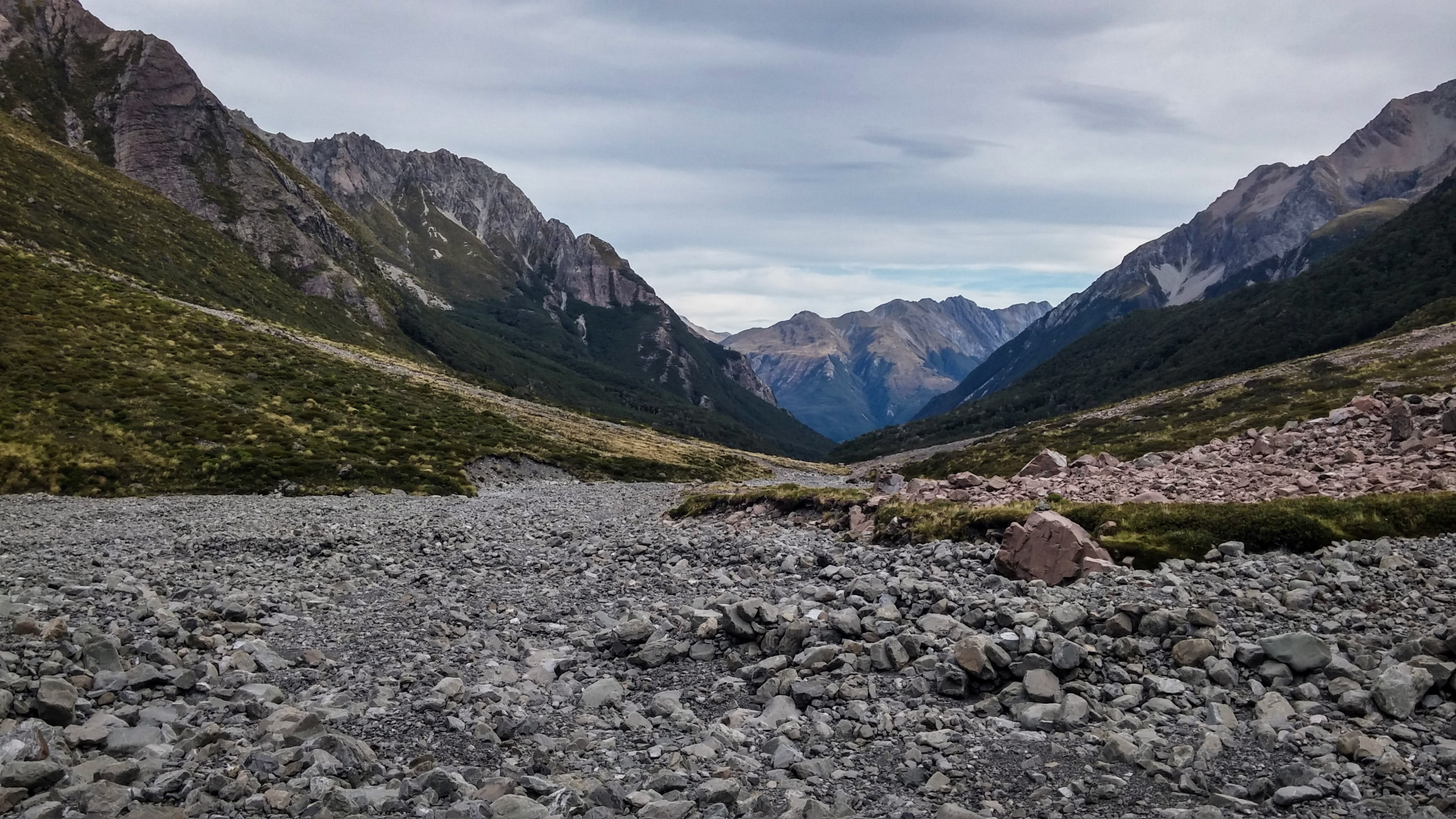 Gratis lagerfoto af bjerg, dagslys, klippefyldt, landskab